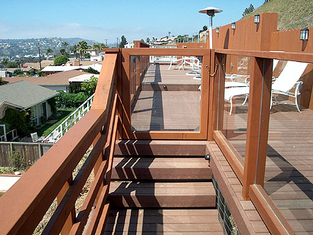H-037b Trex Deck with tempered-glass rails